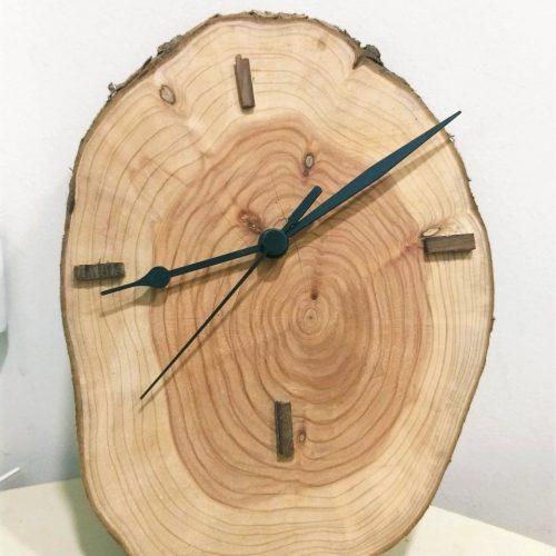 שעון עץ ברוש